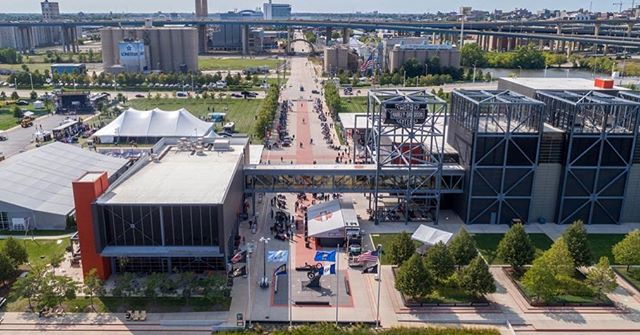 Check out our collaboration with @visitmilwaukee and get a virtual tour of Milwaukee gems like the Harley-Davidson Museum @hdmuseum ! The work is exhibited on our website. Link in bio #virtualreality #customrealityservices
