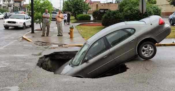 pothole_Car.JPG