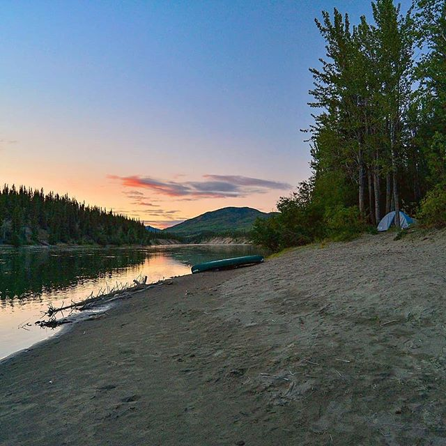 *Drooling* Come to the Yukon - Spaces are limited for Summer 2018!! . . . .  #adventure #overhangadventures #fun #awesome #nature #goplayoutside #overhang #smile #yukon #yukonriver  #camping #outside #outdoors #wilderness #natureporn #landscape #breathtaking #river #notrelevant