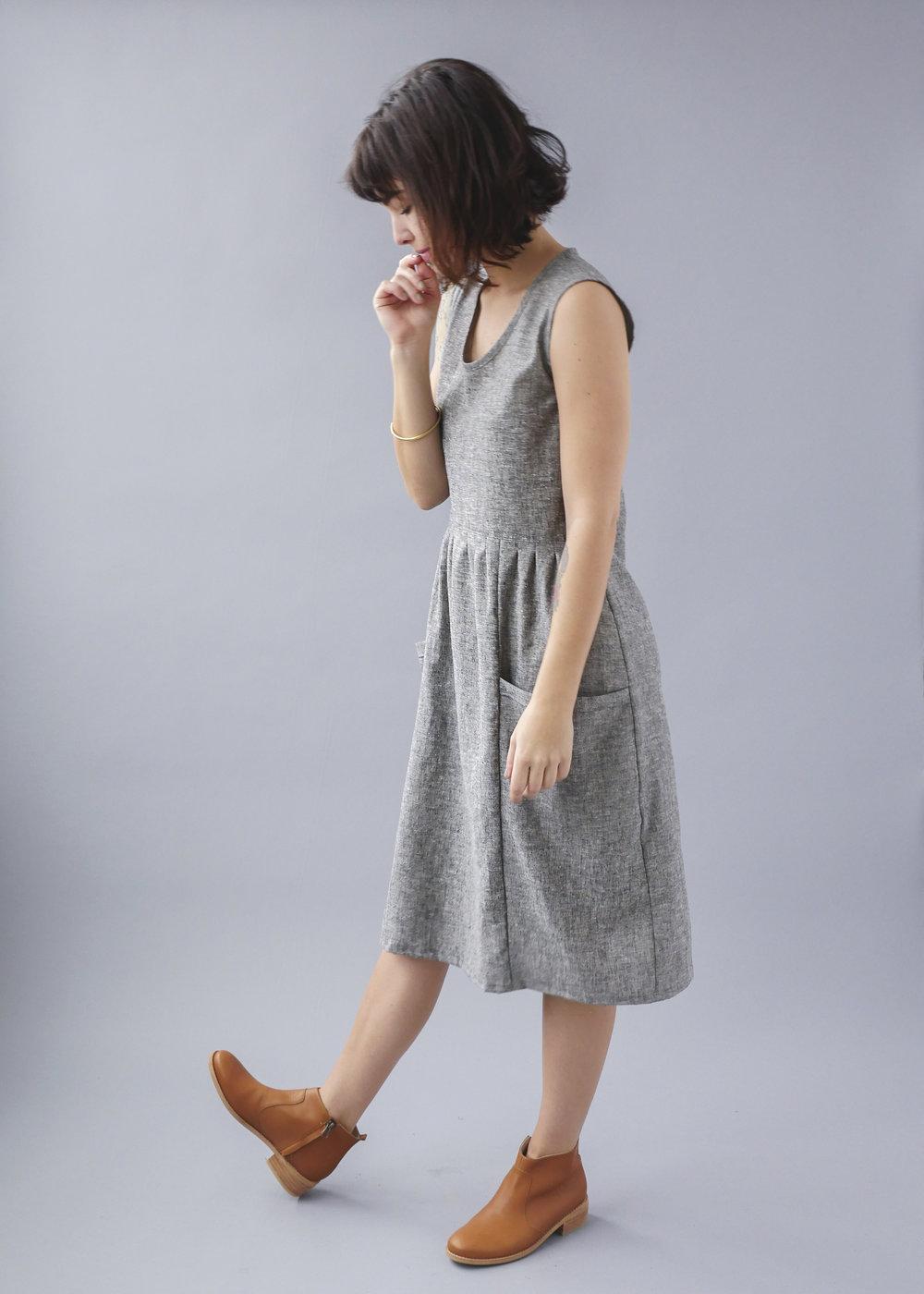 Temperate Jan sleeveless pockets grey dress-3.jpg