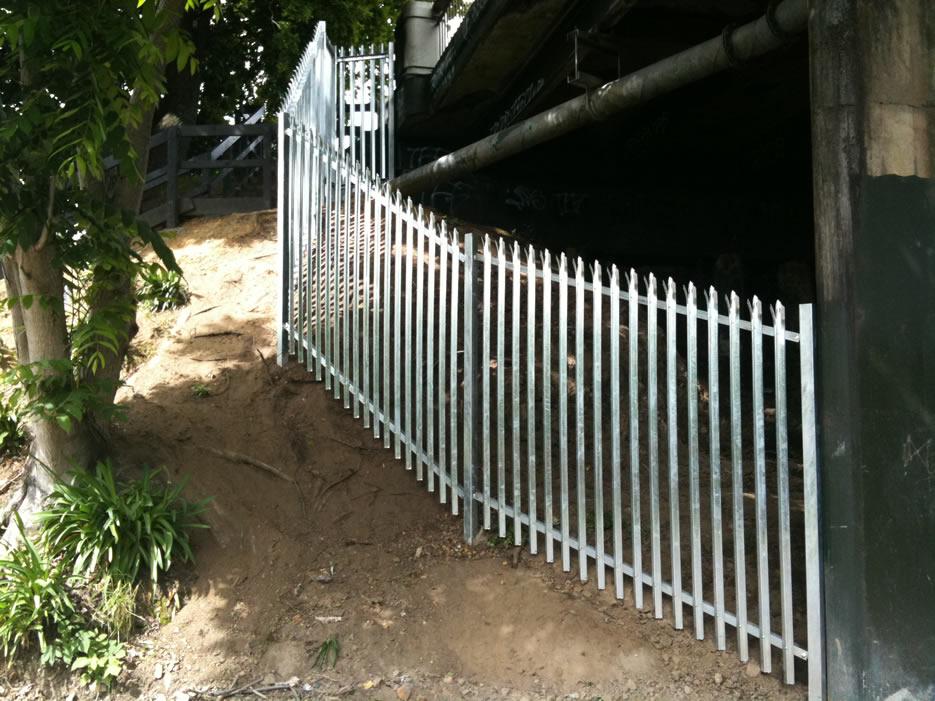 Palisade Fencing Ontrack Ltd.jpg