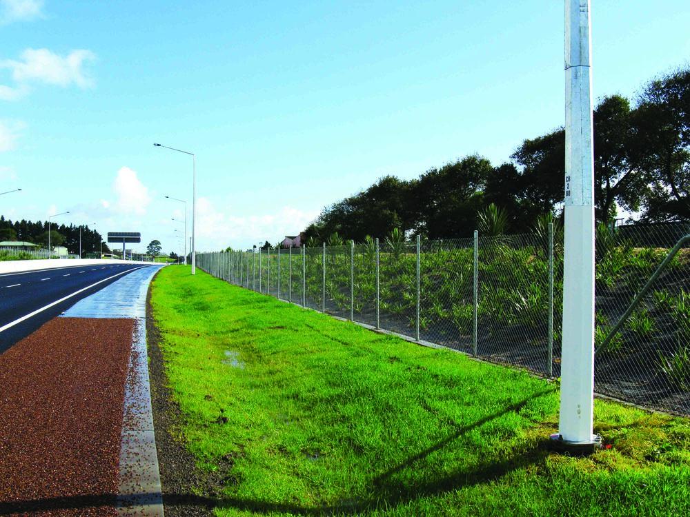SW Hwy Pan Tube Fence.jpg
