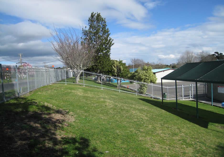 Papakura Central School Pool Fence 6.jpg
