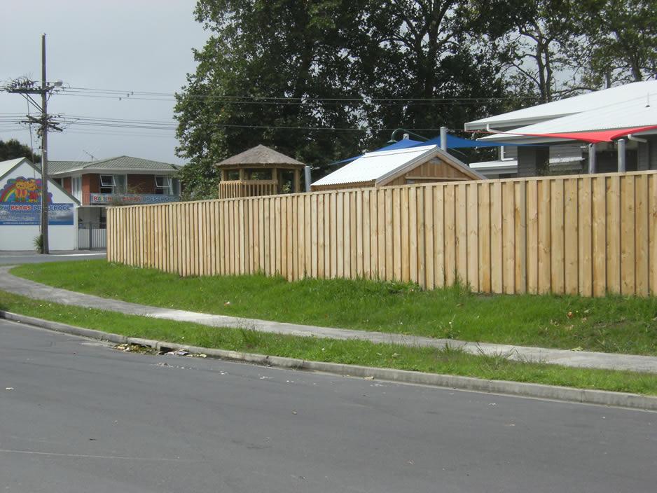 Custom Timber Fence 2.jpg