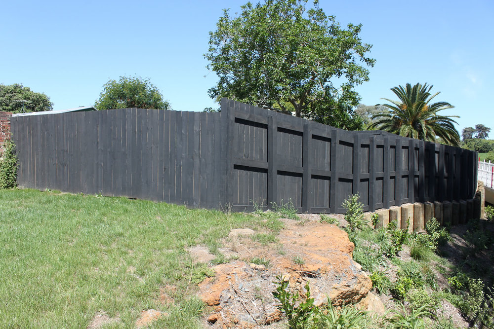 Waterview Connection Custom Timber Fencing 2.jpg