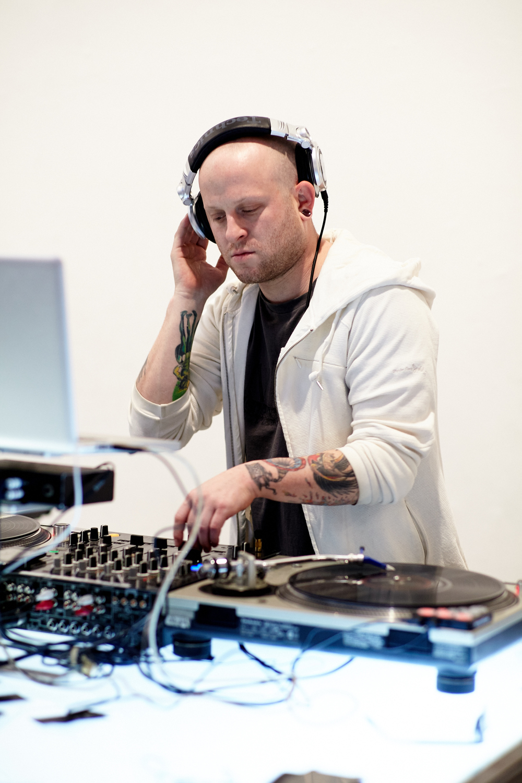 DJ Travisty (Travis Kavovit)