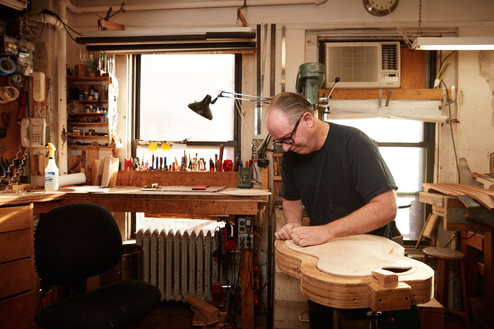 Ric McCurdy, Luthier