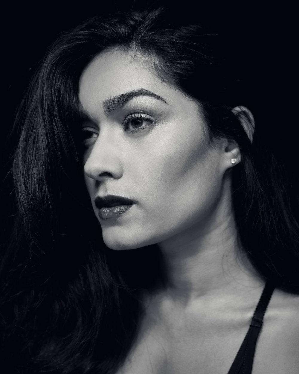 Elizabeth Zayas, Model