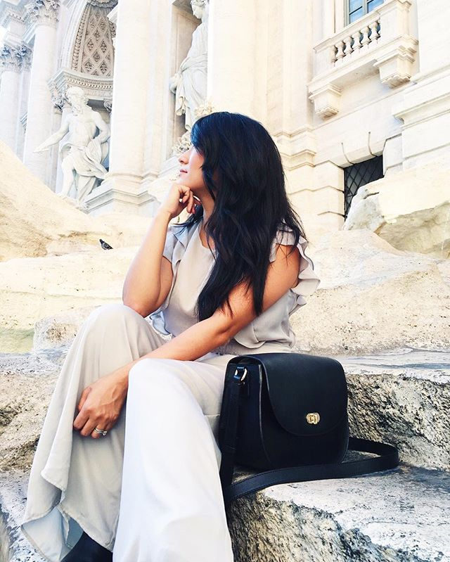 Chillin at the Trevi Fountain in Rome 🇮🇹 Thanks to my @loandsons Claremont bag, I didn't have to worry about my camera being obvious or stolen the whole trip.  Kept my camera and necessities safe all while looking stylish! Thank you @loandsons! More on this bag coming soon to the blog 😊 #travelblog #loandsons #trevifountain #italy #rome