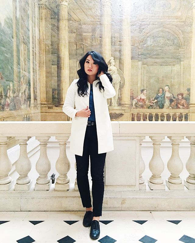 Chillin inside the Musee Carnavalet @museecarnavalet. Tucked away in Le Marais, this museum is a must see. Small but large in history 🇫🇷 More photos to come! #museecarnavalet #parisblog #travelblog #travelootd #lemarais