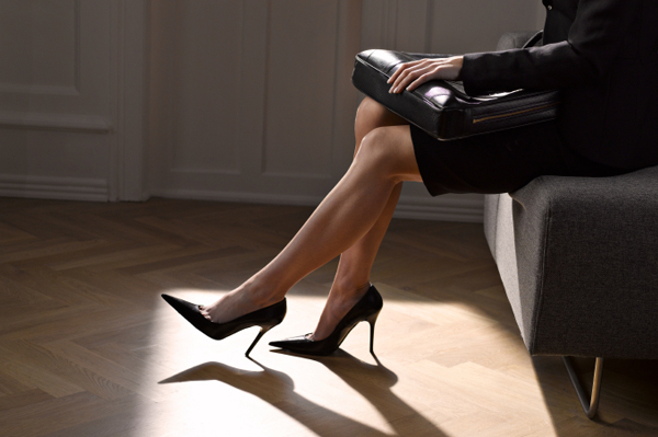 businesswoman-wearing-heels_ajpxsl.jpg