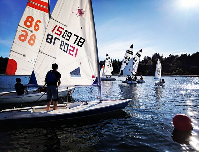Happy 4th of July everyone! OYC Race Team had a great practice yesterday, and are enjoying the day off to watch fireworks and such! 🇺🇸🎉🌭🕶️🌞⛵💯 #sailing #olympia #oycraceteam #everyoneontheline #blueskies