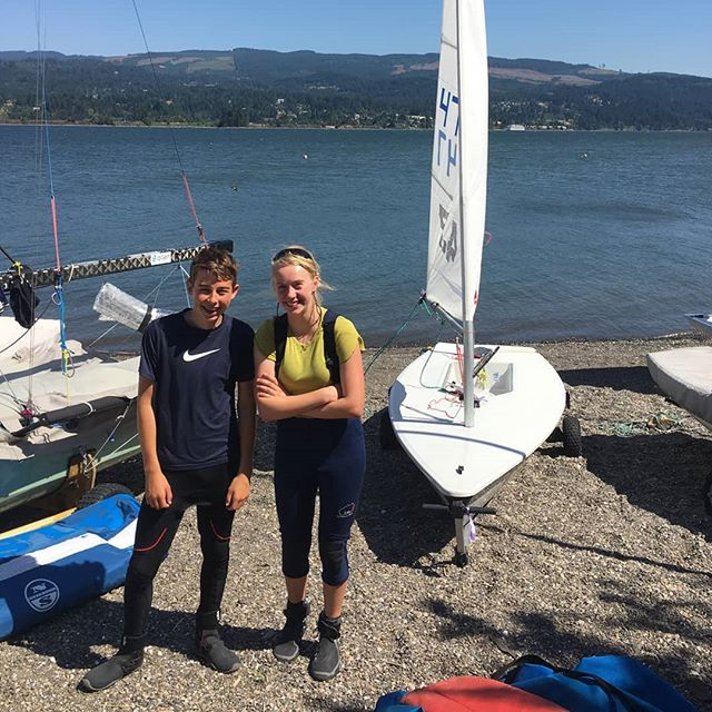 Howling, gnarly, gusts, windswept, windy, breeze, puff on! Can you guess where Sam and Ella are?!! ...the one and only gorge!!! It's both their first time at the annual rite of passage WIND Clinic and Regatta! Sail fast and hike hard! : #cgra #cascadelocks #wind #hoodriver #sailing #earnyourSturns #vangon #breezeon #thefutureislookinggood