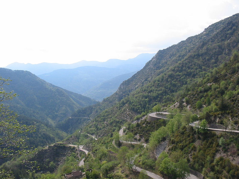 Just one of the many climbs leading to the Col de Turini - By Jérémie Forget - Photo prise lors d'un voyage de vélo à Nice, Public Domain, https://commons.wikimedia.org/w/index.php?curid=6172416