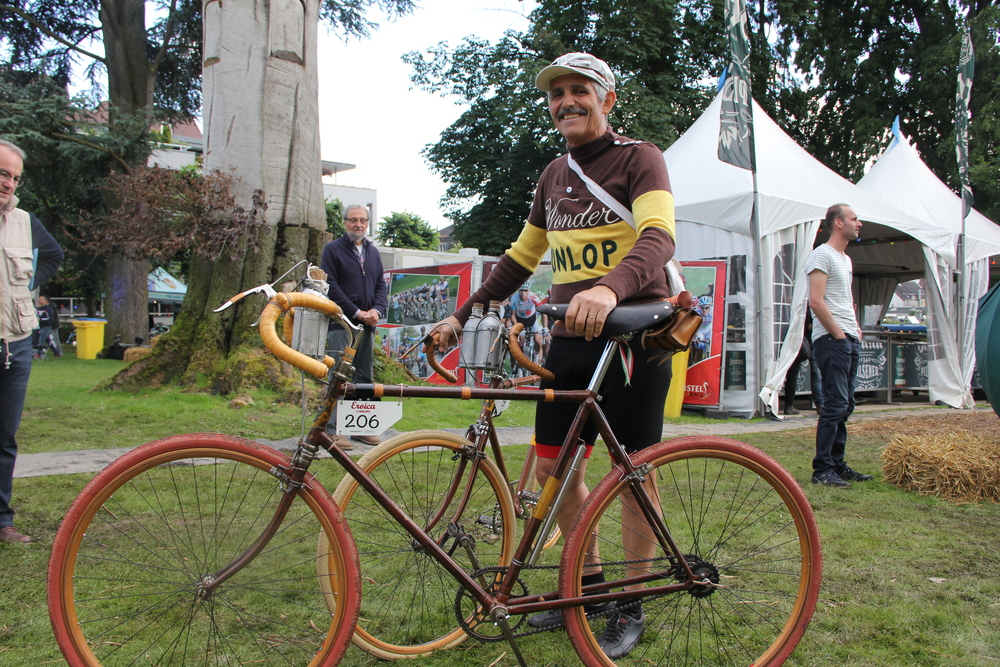 Eroica is so much more than just a vintage ride but a celebration of the  style of days gone by. Old cars 7780b0a28
