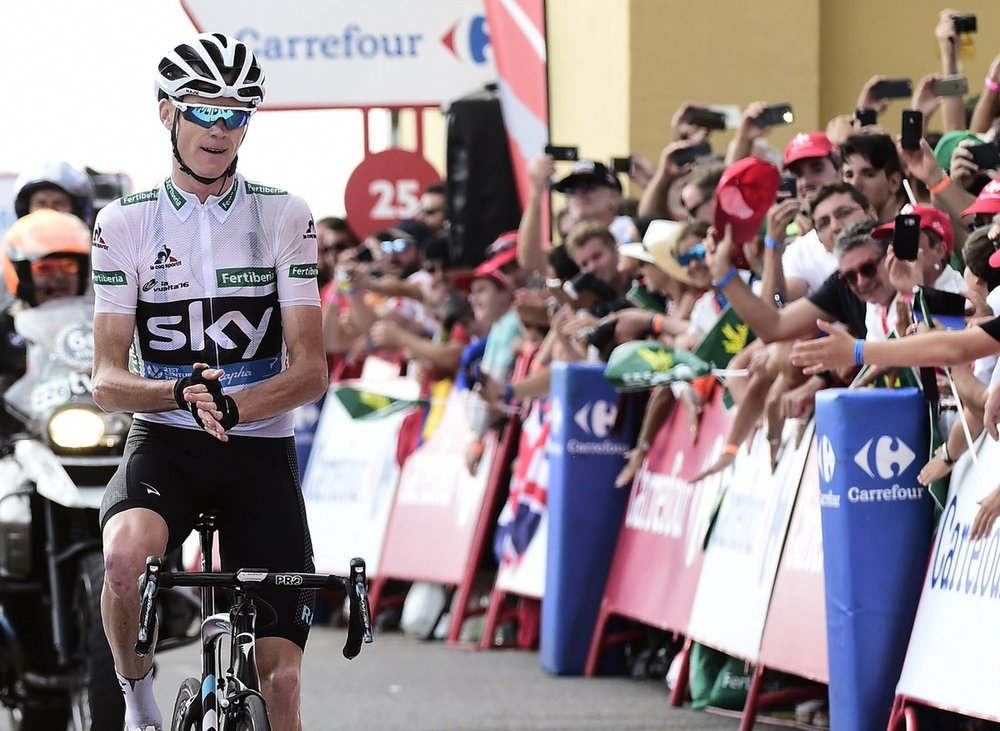 Froome congratulates the victor
