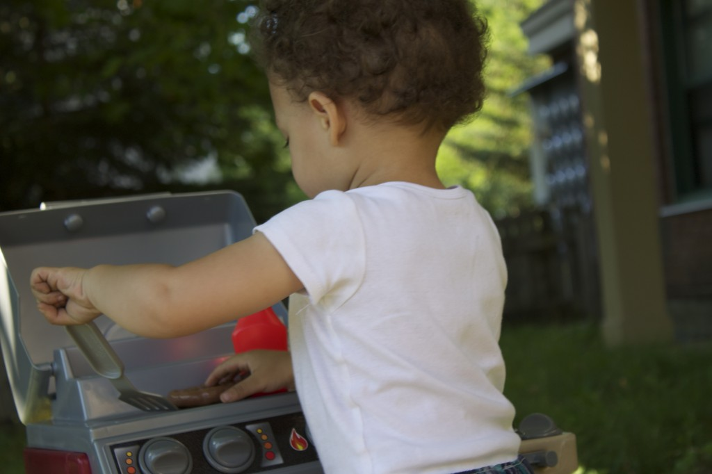 Little Tikes Get Out 'N' Grill BACKYARD BARBECUE