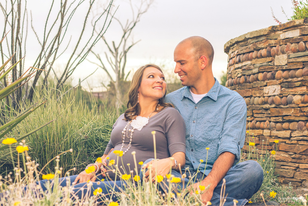 Cute Couples Maternity poses - Phoenix, AZ