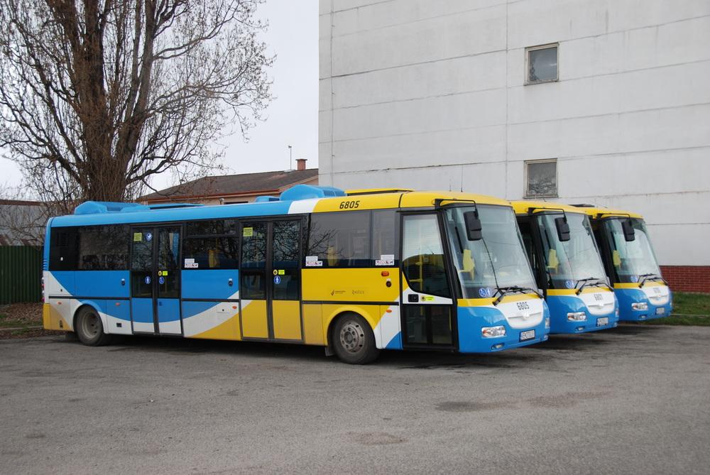 Od roku 2014 je v provozu celkem 5 elektrobusů SOR EBN 10,5. Tento model však byl v loňském roce v nabídce výrobce nahrazen prodlouženou verzí SOR EBN 11 o délce 11,1 m. (foto: Libor Hinčica)