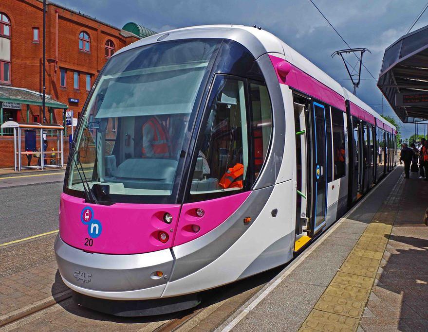 Budoucnost tramvajové dopravy v Birminghamu bude spjata s vozy CAF Urbos 3. Těch město objednalo celkem 20. (zdroj: Wikipedia)
