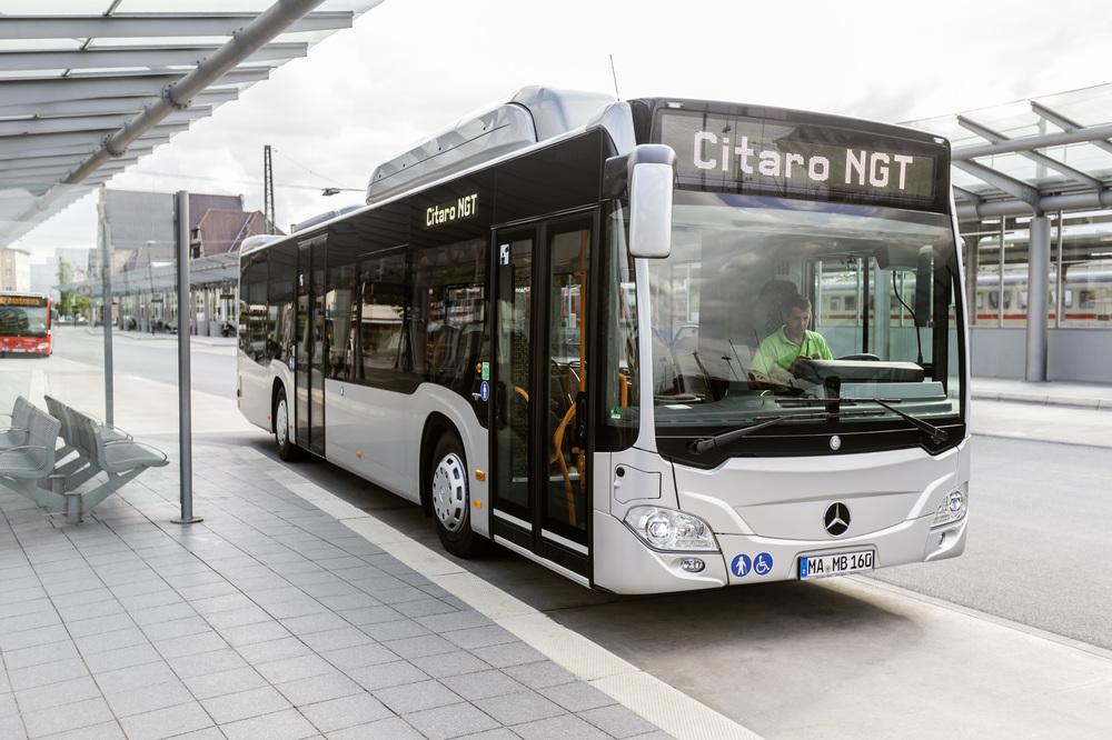 Na Czechbusu i na Busworldu byl představen prototyp Citara NGT, jenž odpovídá 12m verzi. Augsburg ovšem odebírá článkové vozy. (foto: EvoBus)