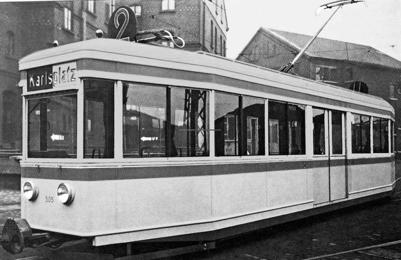 Unikátní vůz MONTOS z roku 1934 může být považován za první 100% nízkopodlažní tramvaj na světě, ačkoli dnešní definici v tomto slova smyslu tak úplně nesplňuje.