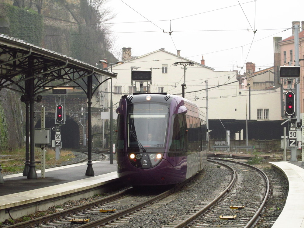 S vlakotramvajemi Citadis Dualis se můžete dnes setkat například v Lyonu. (foto: Ing. Filip Jiřík)