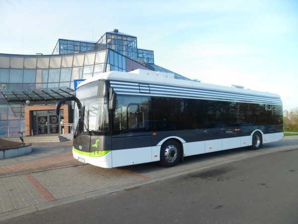 Ještě jeden pohled na prezentační elektrobus od Solarisu. (foto: MZK w Zielonej Górze)
