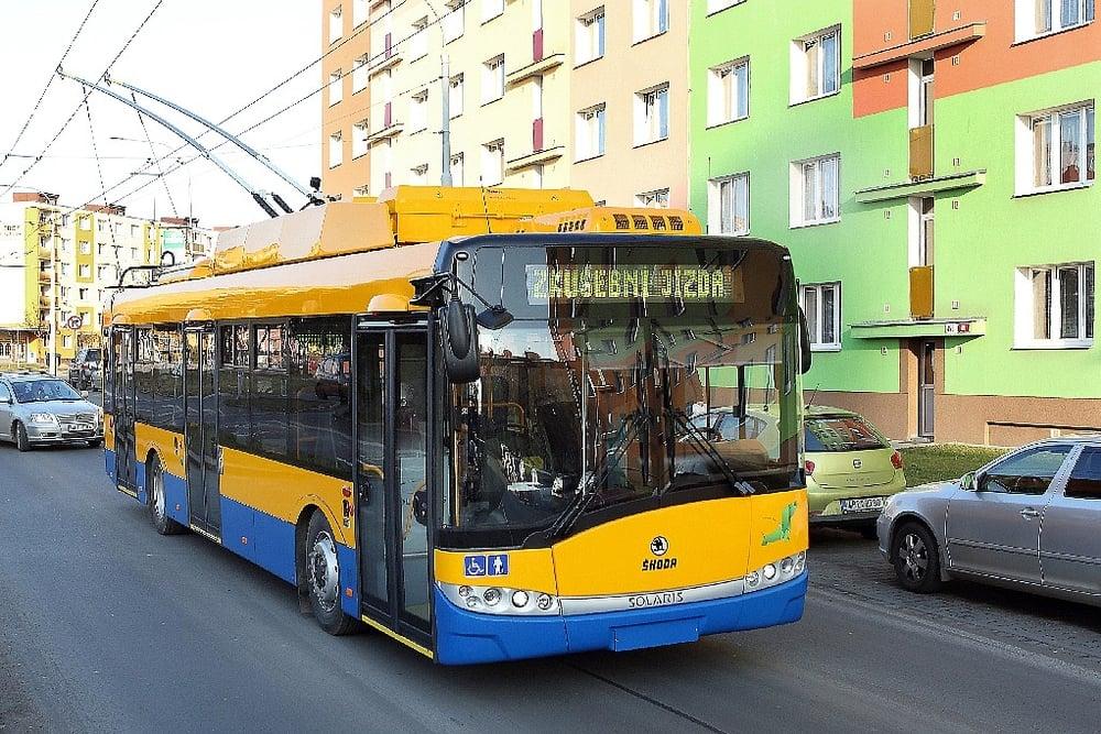 Dvojice nových trolejbusů pro Zlín bude odpovídat typu Škoda 26 Tr-Solaris. Navíc však bude vybavena bateriemi pro autonomní pojezd. (foto: Škoda Electric)
