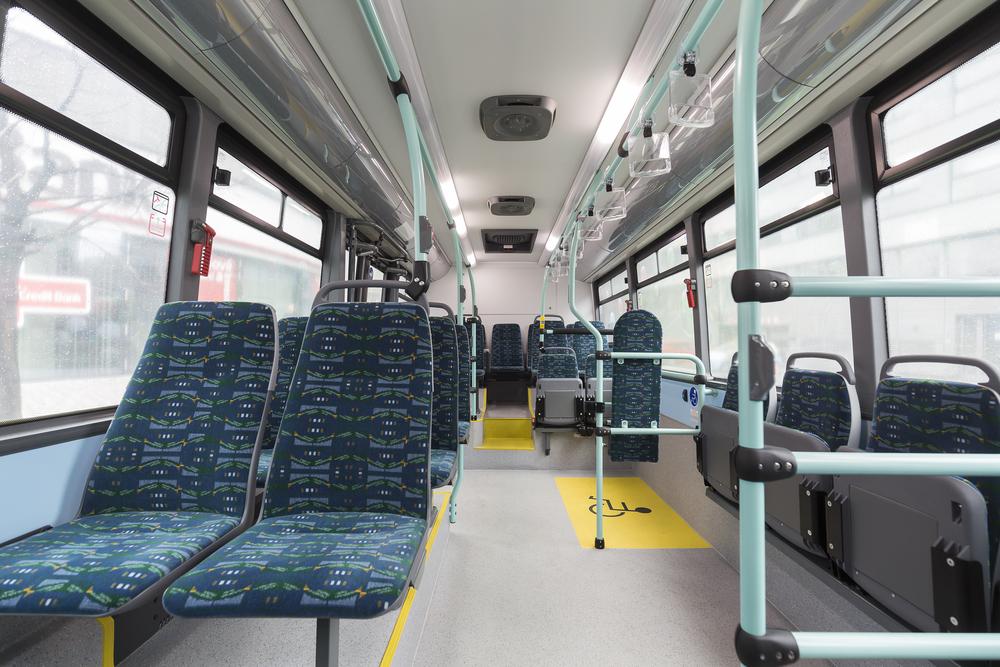 Elektrobus nabízí cestujícím WiFi připojení. (foto: ARRIVA PRAHA)