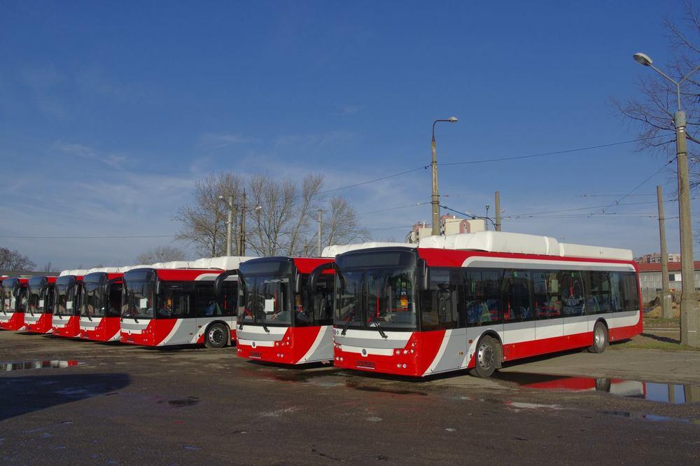 Nové hybridní autobusy výrobce Solbus kombinují elektrickou energii s pohonem na CNG. (zdroj: Wikipedia.org)