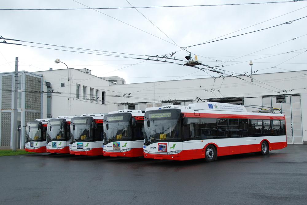 Jako masopustní trolejbus poslouží jeden z nejnovějších vozů Škoda 26 Tr-Solaris. (foto: Libor Hinčica)