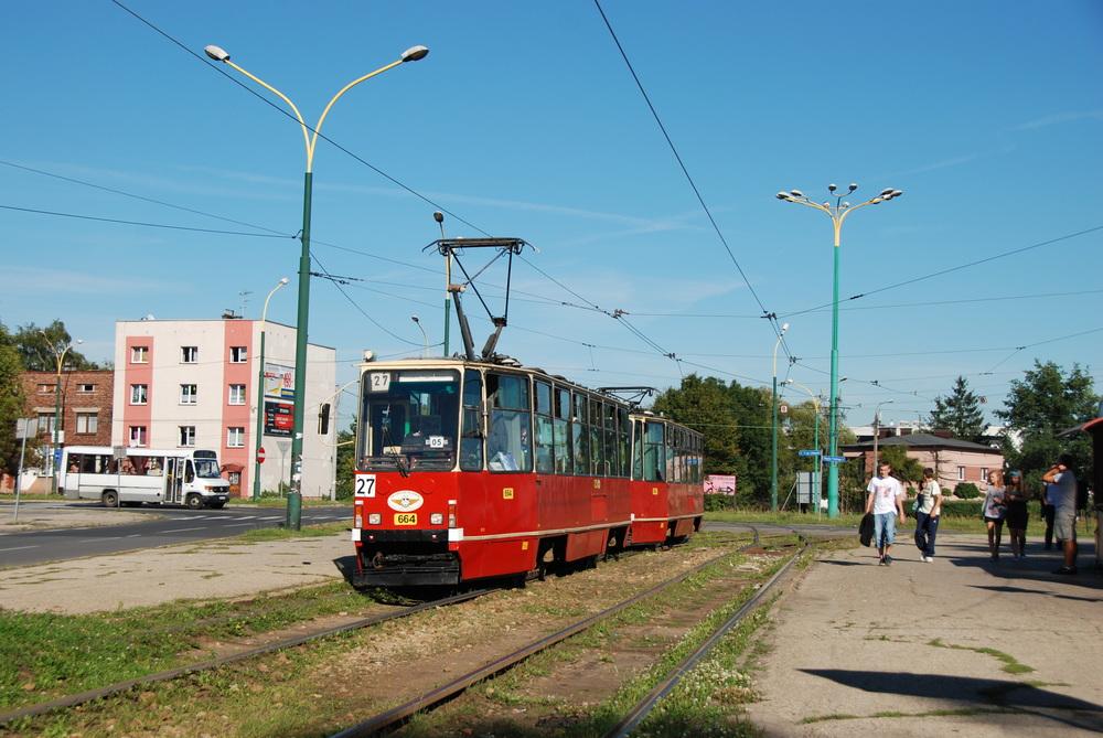 Do Katowic je to sice nedaleko, nicméně na propojení s místní tramvajovou sítí to přece jen nevypadá. Ani dnes není Jaworzno v systému KZK GOP. (foto: Libor Hinčica)
