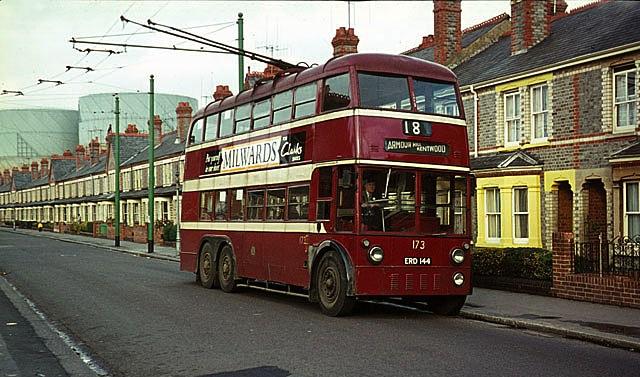 Trolejbus na Liveropool Street v Londýně. (zdroj: Wikipedia.org)