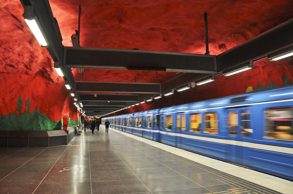 Další z řady netradičně vyzdobených stanic: Solna centrum. (foto: Petr Malinovský)