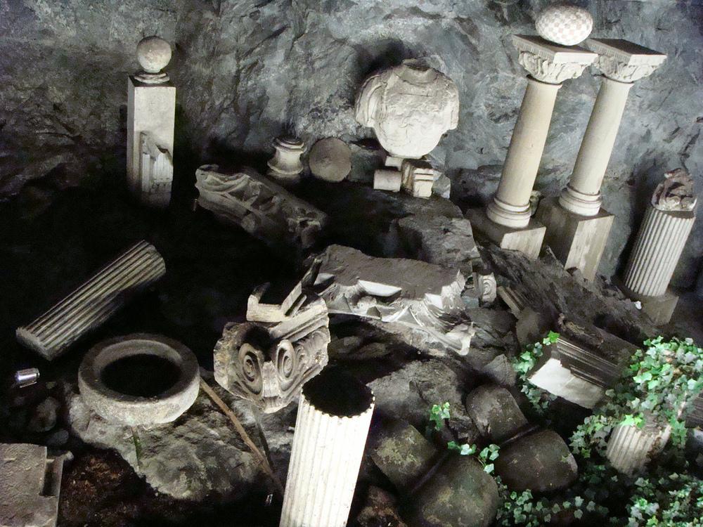 Starověké ruiny? Kdepak. Jen výzdoba jedné ze stanic metra (foto: Flickr; Zia Deda)
