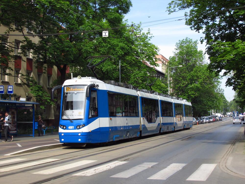 Tramvaj 405N vznikla jen ve formě jediného prototypu pro Kraków, přestože se očekávalo, že výroba bude pokračovat. Fakticky vzato jde o prodlouženou verzi modelu PROTRAM 205 WRAS. (foto: Ing. Filip Jiřík)