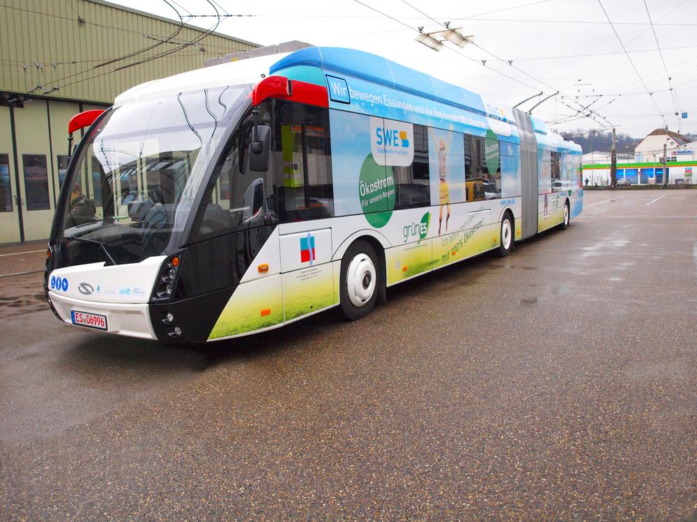 Trolejbus byl opatřen zvláštním polepem. (foto: Solaris Bus & Coach)