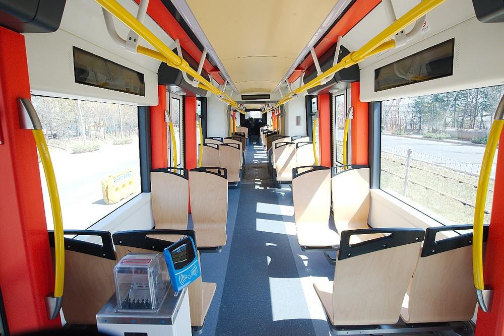 Pohled do interiéru prototypového vozu. (zdroj: Škoda Transportation)