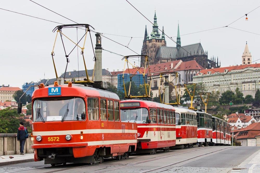 Mazací tramvaj je zřejmě nejpopulárnějším služebním vozem pražského DP. (foto: DPP)