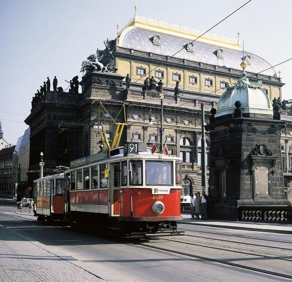 Linka číslo 91 v Praze má také svou historii. Po ulicích Prahy jezdí již 25 let. (foto: DPP)