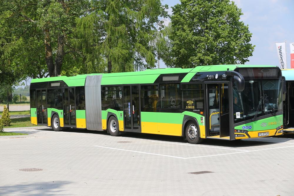 Článková modifikace byla zastoupena typem Urbino 18 v dieselové verzi. Brzy by však měla následovat také plynová verze a elektrobus. (foto: Solaris Bus & Coach)