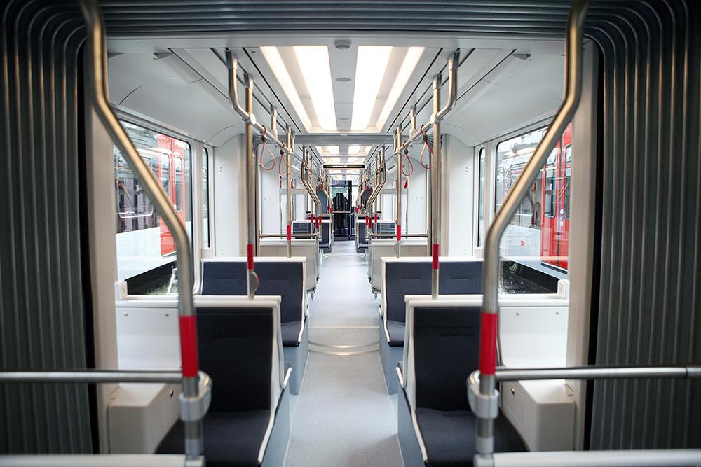 Interiér tramvaje Variobahn pro Aarhus. (foto: Stadler)