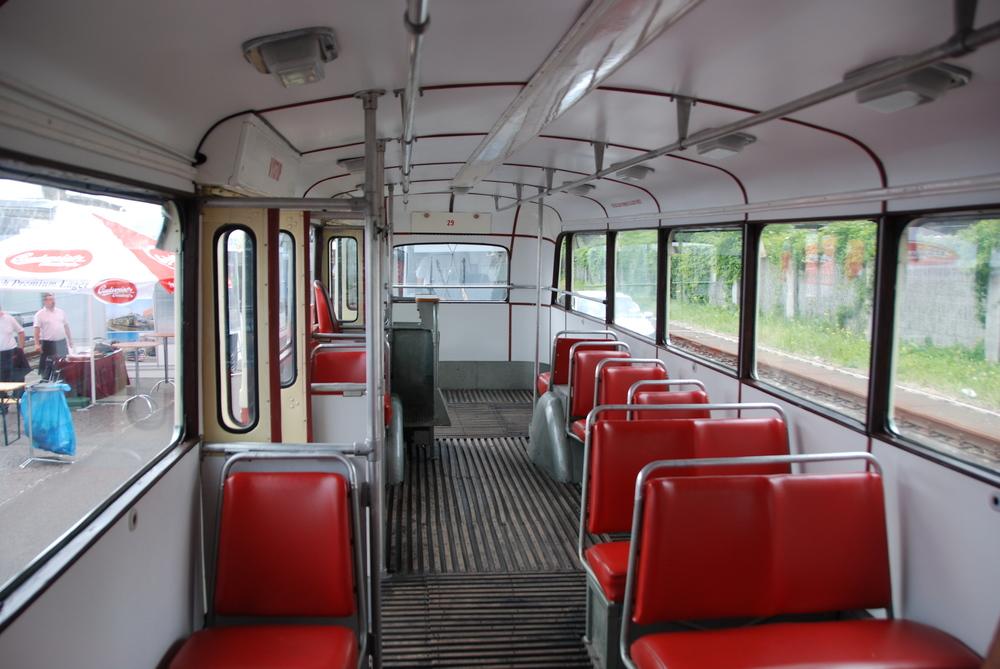 Interiér historického trolejbusu Škoda 8 Tr. (foto: Libor Hinčica)