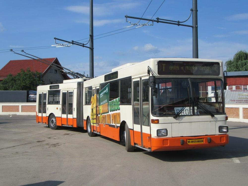 Ex-salzburský trolejbus na nově postavené trolejbusové trati ve Vaslui. (foto: Gunter Mackinger)