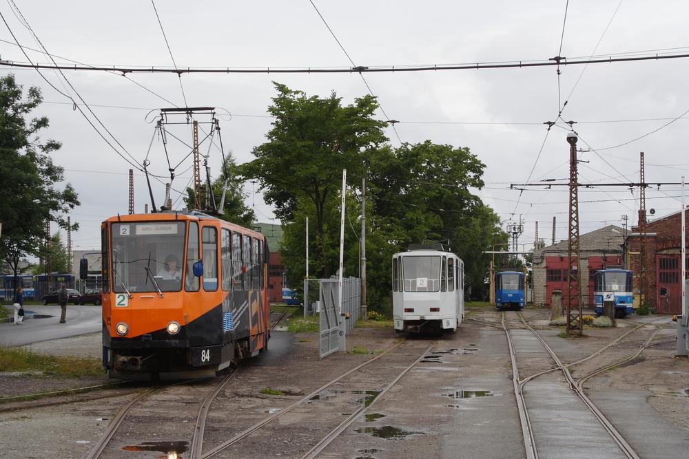 Vozy typu KT4 v estonském Tallinnu. (foto: Petr Nevyhoštěný)