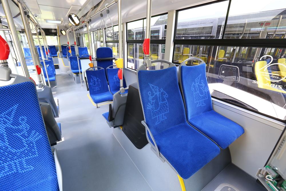 Pohled do interiéru vozu Solaris New Urbino 12 pro Krakov. (foto: Solaris Bus & Coach)