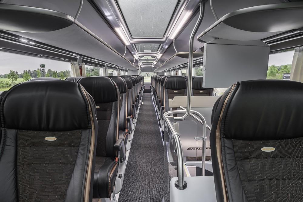 Pohled do interiéru horního patra autobusu. (foto: MAN Truck & Bus)