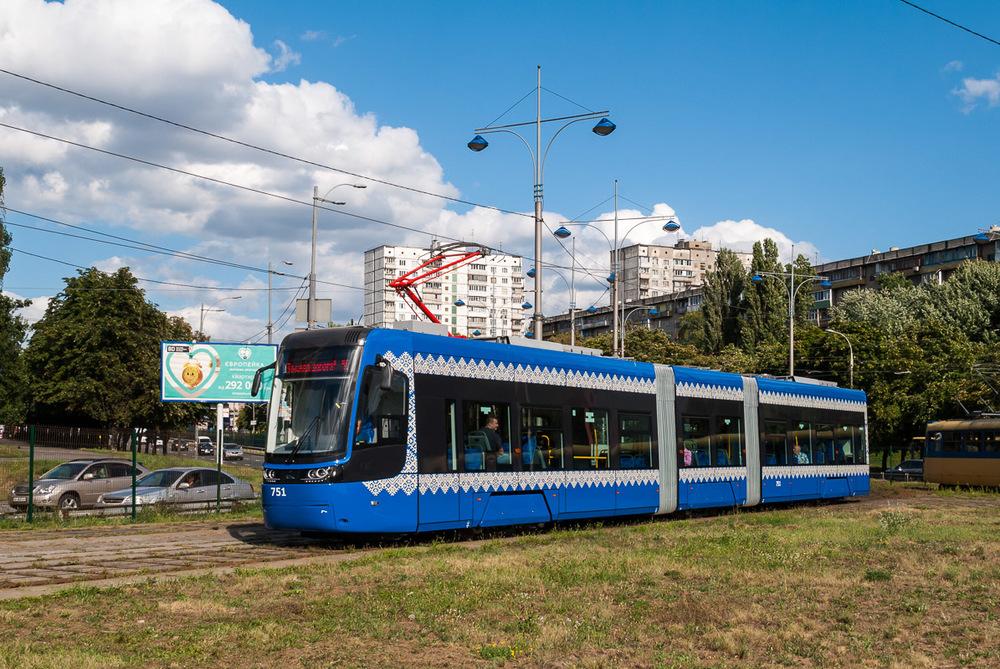 Na lince číslo 2 se tramvaj objevuje jen při výjezdech/zátazích z/do vozovny.(foto: Ivan Chernysh)