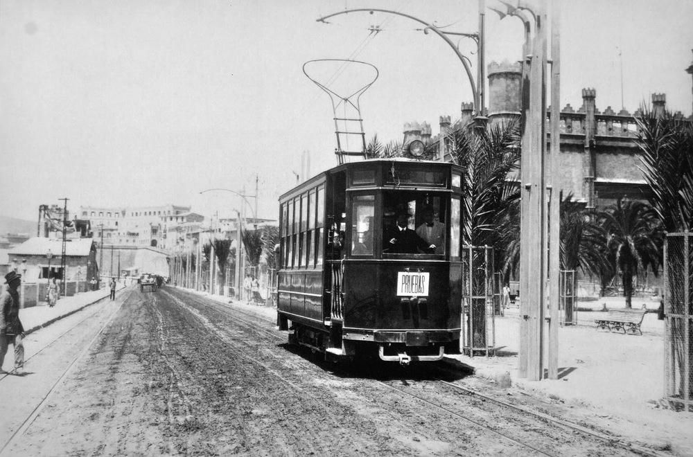 Tramvaj v ulicích Palmy. (zdroj:  tranviasdepalma.blogspot.com)